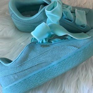 Puma slip on sneaker with velvet ribbon